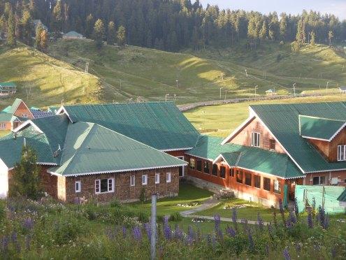 Nedou's Hotel 04