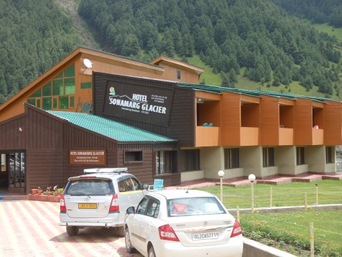 Sonmarg Glacier Hotel